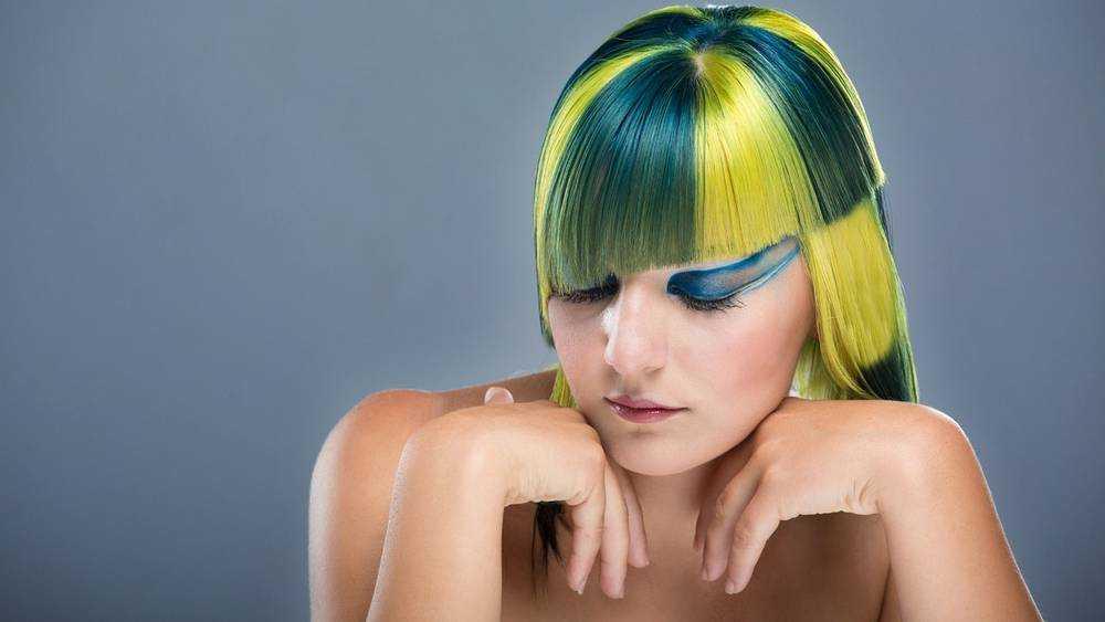 В Брянской области разрешили работать парикмахерам