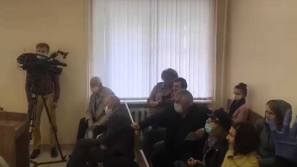В Брянске заразились коронавирусом сотрудники двух телеканалов