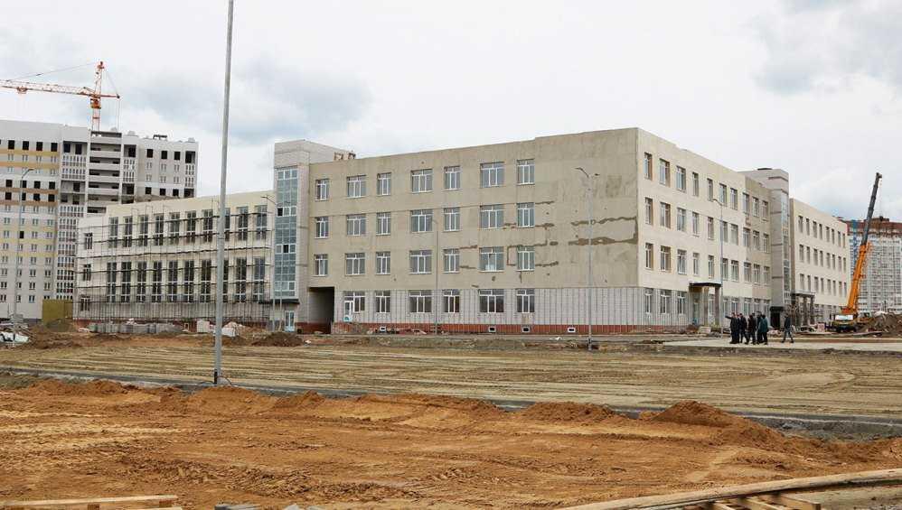 Строительству школы в старом аэропорту Брянска помешал коронавирус