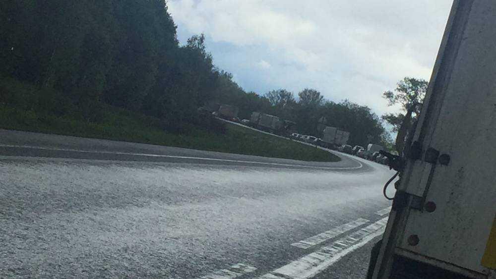 На брянской трассе из-за трагического ДТП образовалась огромная пробка