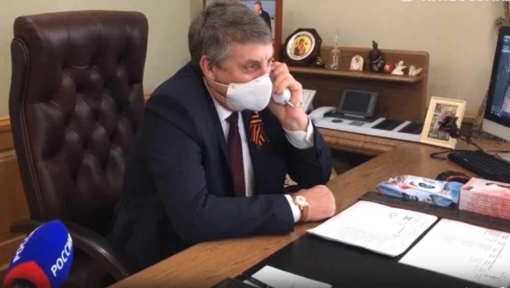Брянский губернатор Богомаз лично по телефону поздравил ветеранов