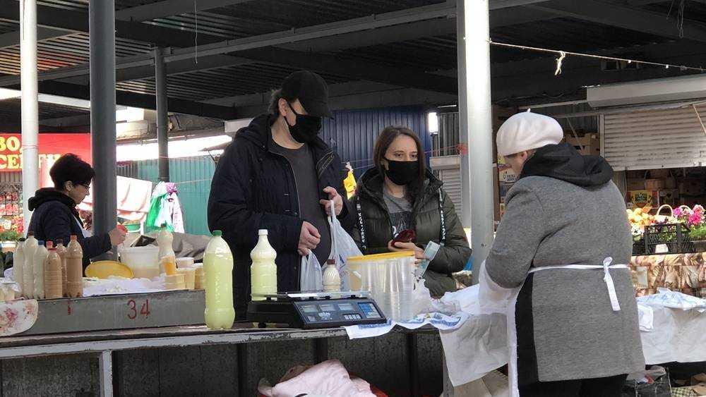На рынках Брянска половина торговцев перестала носить маски