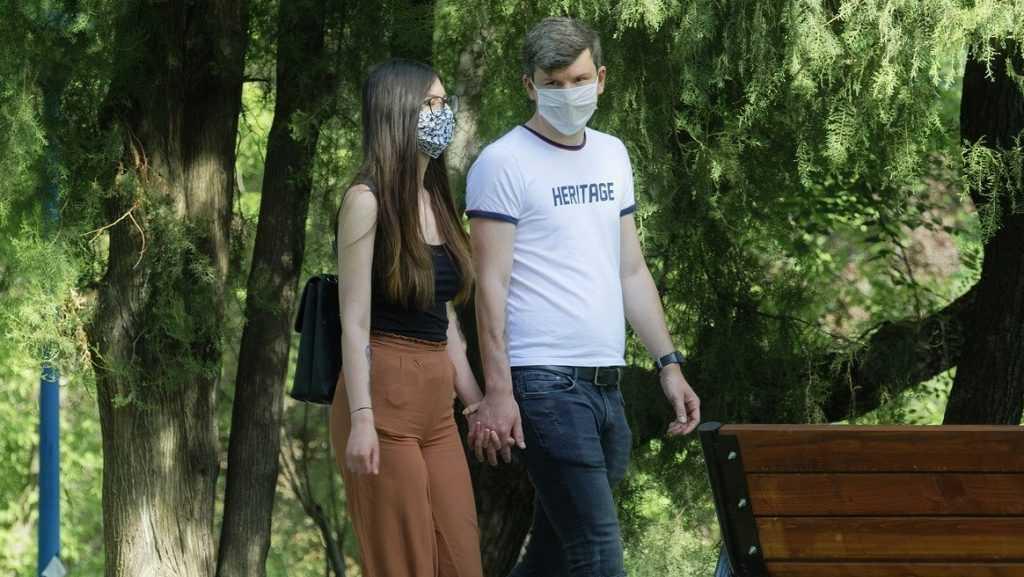 Из-за прививок от коронавируса в брянских семьях начались дикие скандалы