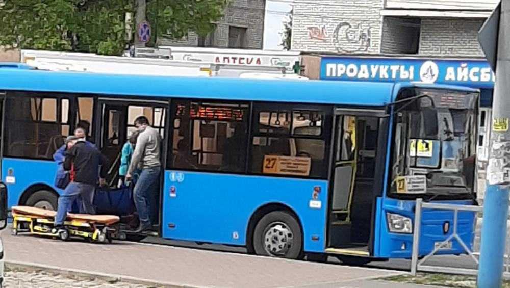 В Брянске пассажир в автобусе потерял сознание