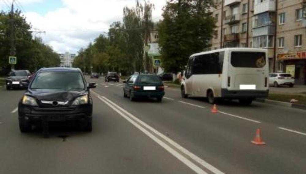 В Брянске полиция обратилась к очевидцам гибели женщины в ДТП