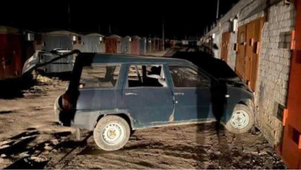 В Брянске объявили о поиске свидетелей наезда автомобиля на гараж