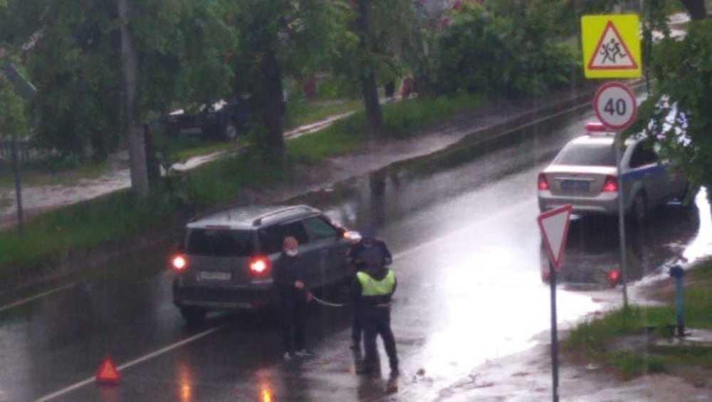 В Брянске на улице Ново-Советской кроссовер сбил ребенка