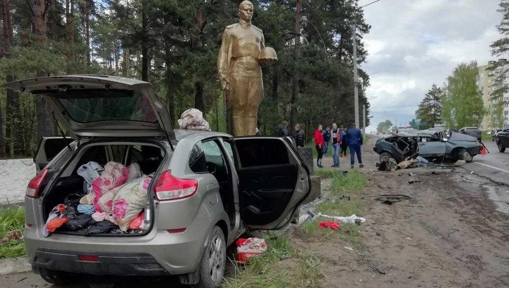 Под Брянском возле Шибенца в ДТП погиб молодой парень