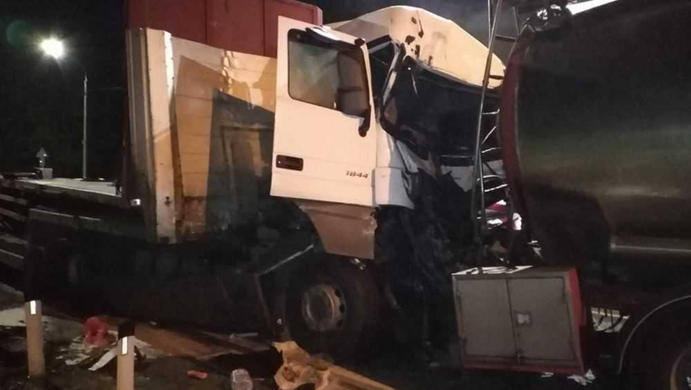 В ДТП с двумя грузовиками под Сещей пострадал один из водителей