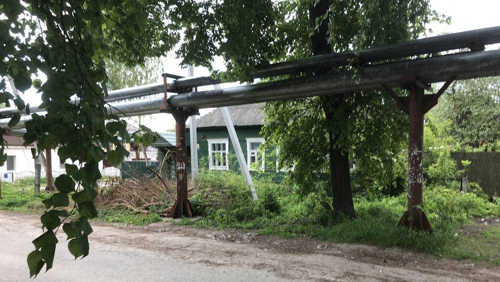 В Брянске целую улицу стянули поясом коммунальной верности