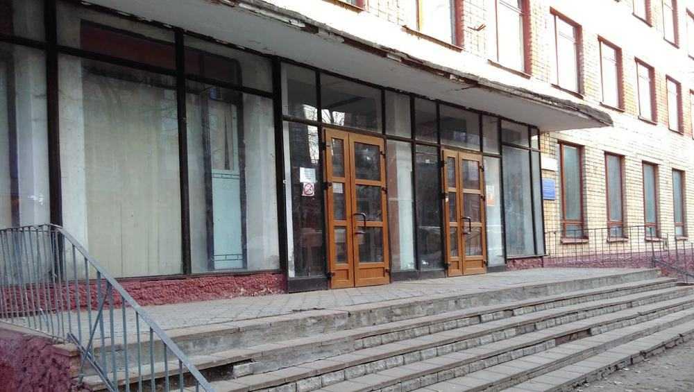 Директора брянского строительного колледжа оштрафовали на 13736 рублей