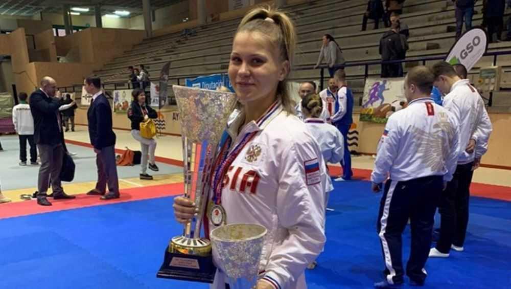 Брянская каратистка стала мастером спорта международного класса