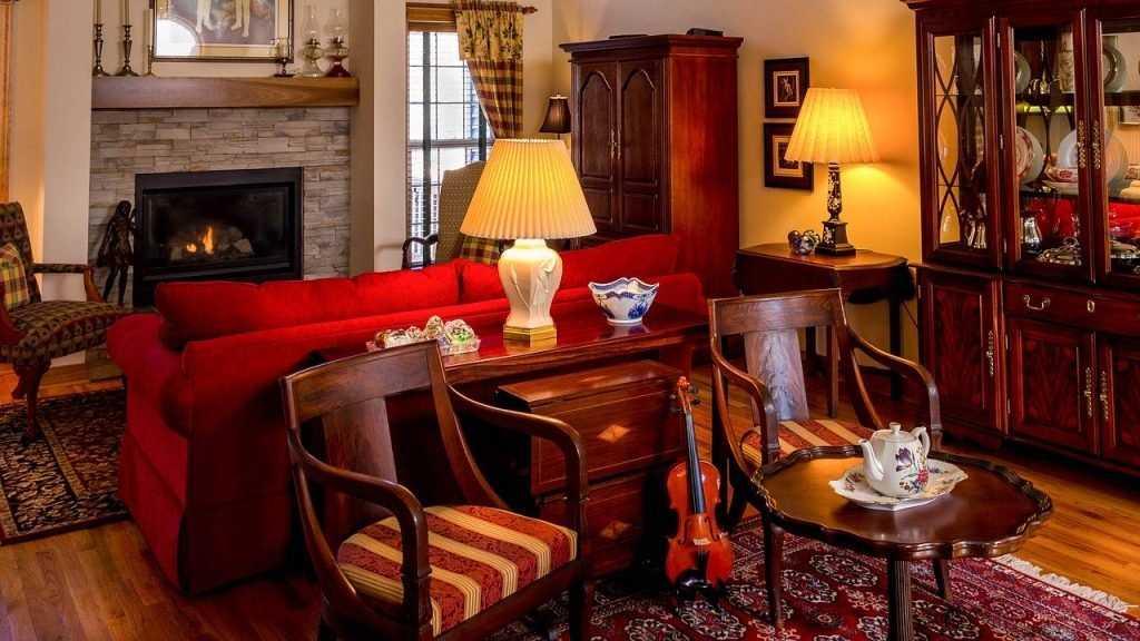 Где купить качественную антикварную мебель