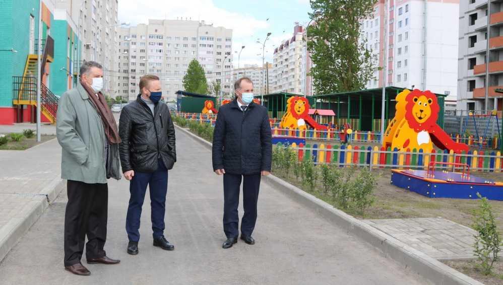 Градоначальник Брянска Макаров проверил подготовку детсадов к открытию