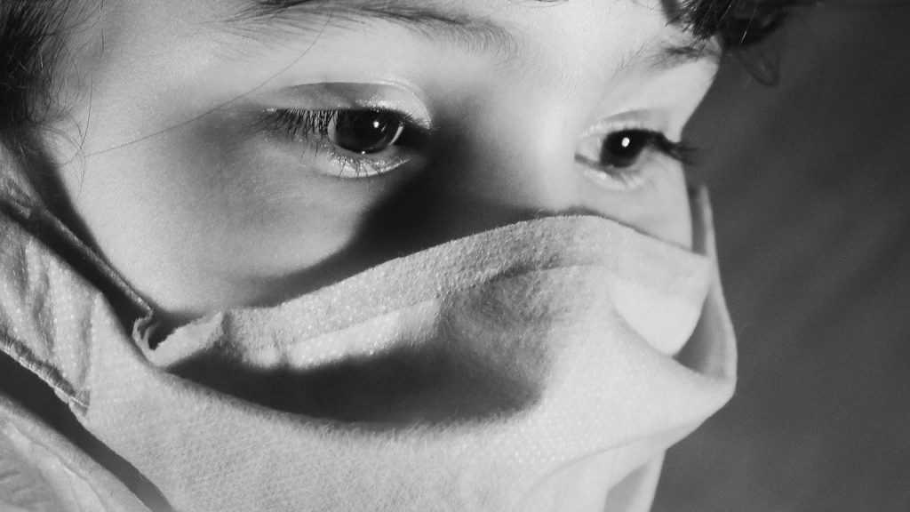 В Новозыбкове на швейной фабрике произошла вспышка коронавируса