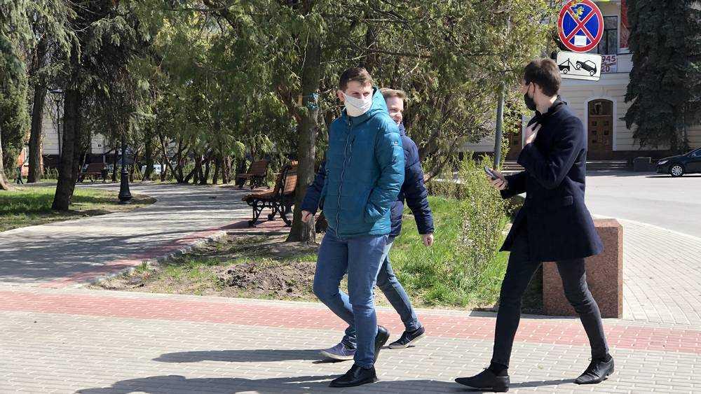 В Брянске полиция стала проверять соблюдение масочного режима