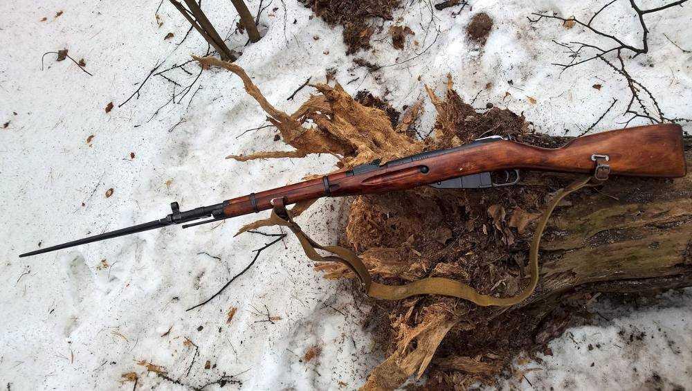 Двоих брянцев осудили за торговлю оружием и боеприпасами
