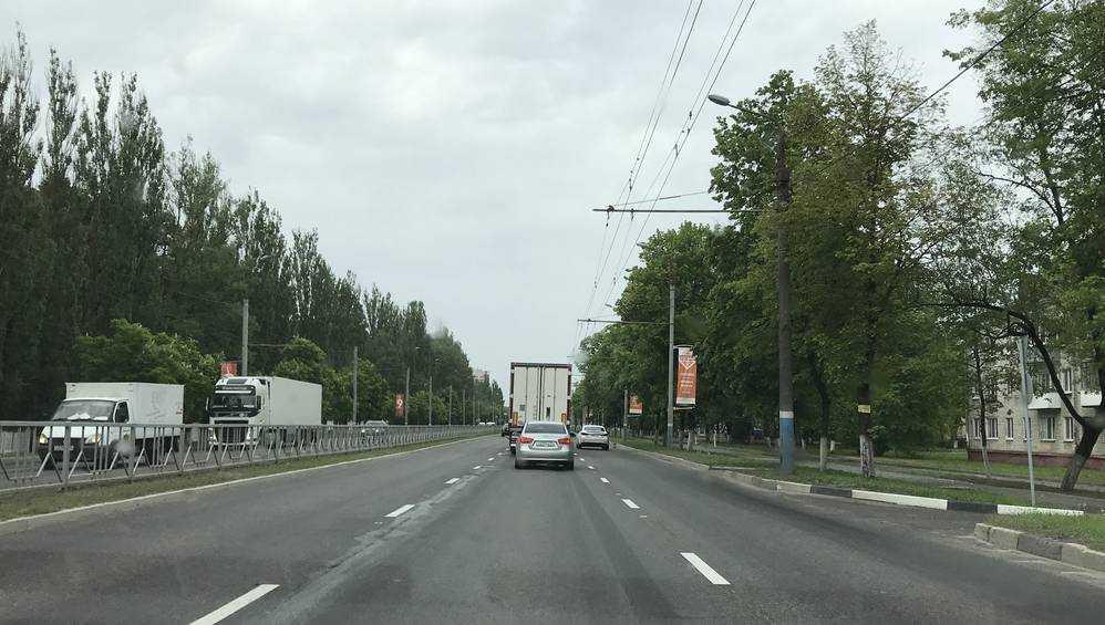 В Брянске лужу истерически объявили затопленным Московским проспектом