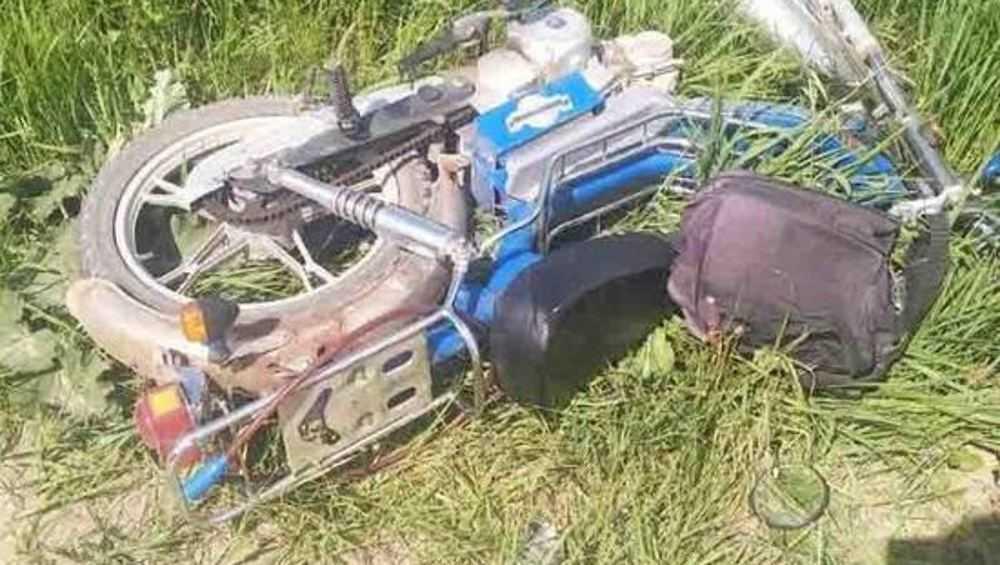 Под Трубчевском на сельской дороге опрокинулся мотоцикл