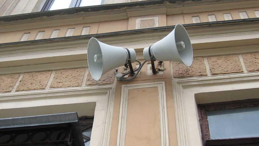 Брянцы с утра прослушали военные песни из уличных динамиков