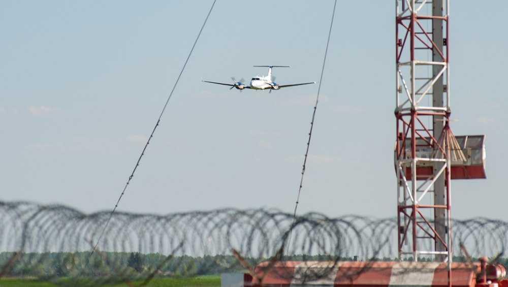 Жителей Брянска насторожил сделавший десятки кругов самолет