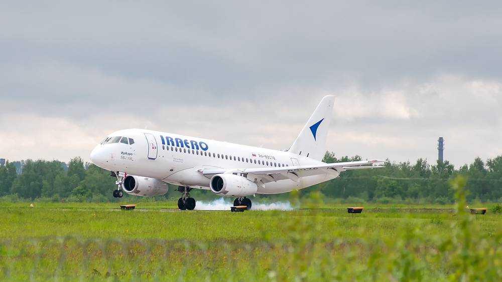 Первый самолет вылетел из Брянска в Симферополь