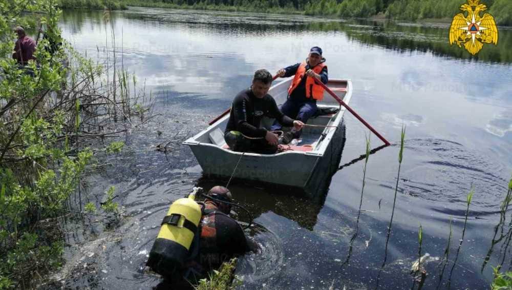 В Дятьковском районе со дна озера подняли тело 44-летнего мужчины