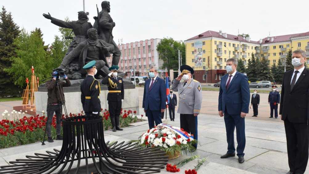 В Брянске почтили память погибших воинов-пограничников