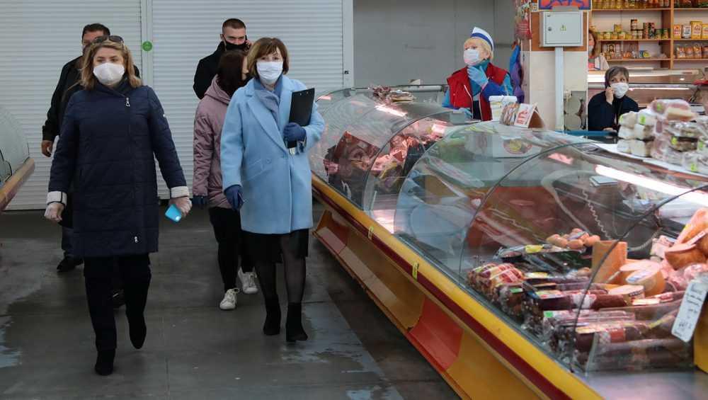 В Брянске за нарушения закрыли фотосалон и магазин одежды