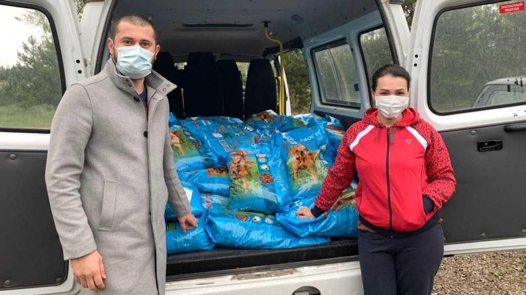 Николай Валуев передал приюту для бездомных животных «Муха» 800 килограммов сухого корма