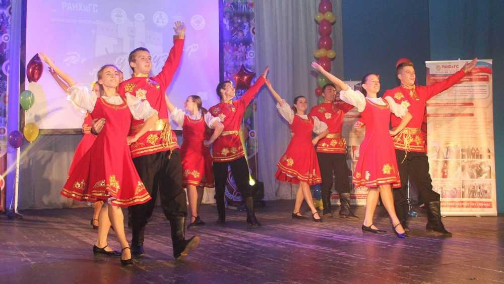 Брянские студенты примут участие в международном флешмобе Russian dance
