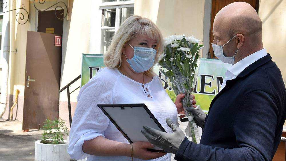 Заместитель брянского губернатора побывал в инфекционной больнице