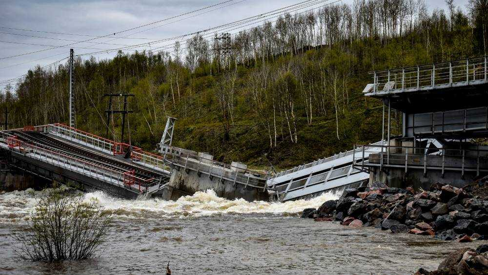 Военные из Брянска отправились на восстановление моста в Мурманск
