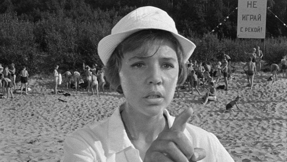 Голые дети на пляже рассорили жителей Брянска