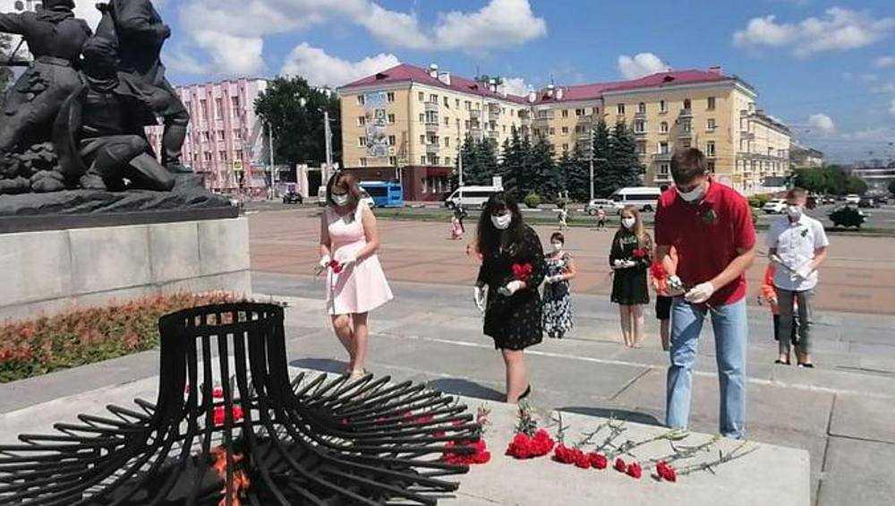 В Брянске почтили память партизан и подпольщиков