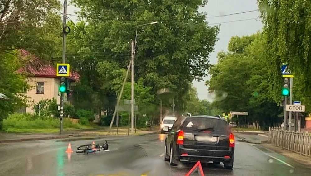 В Брянске автомобилистка сбила пожилого велосипедиста