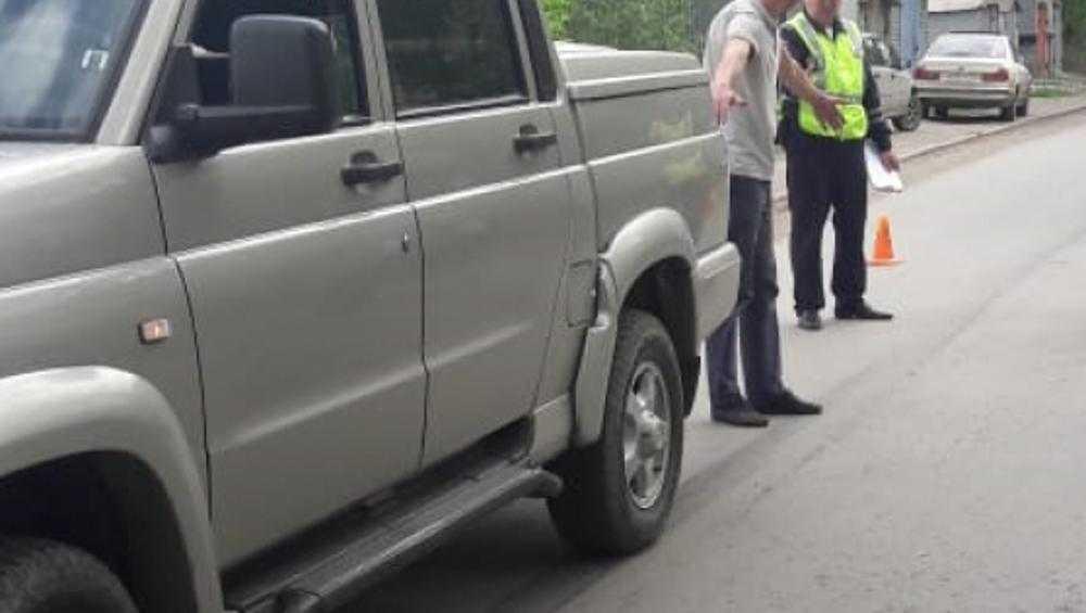 В Унече под колеса автомобиля попала 5-летняя девочка