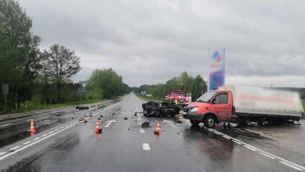 Под Брянском в ДТП с «Газелью» и 2 легковушками ранен 18-летний юноша