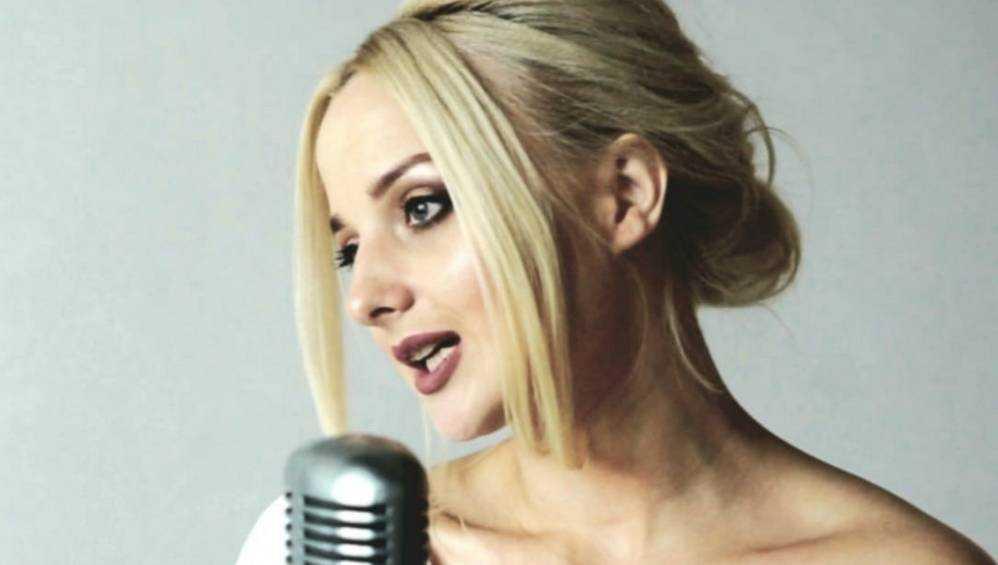 Брянская певица Иванка представила новую песню «Гуляю»