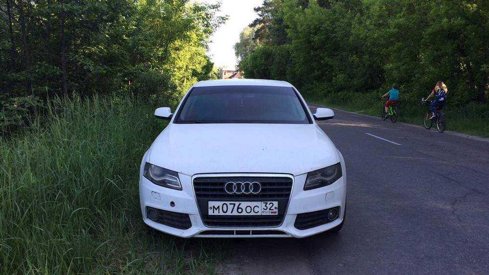 В Брянске исчез загадочный автомобиль, три дня простоявший на дороге