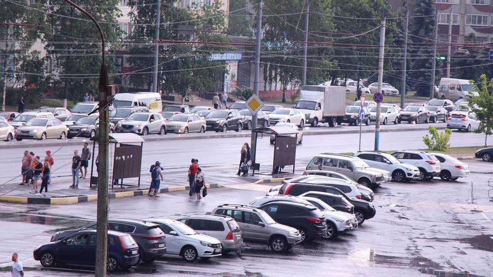 В Брянске возникла громадная пробка на Авиационной и Красноармейской