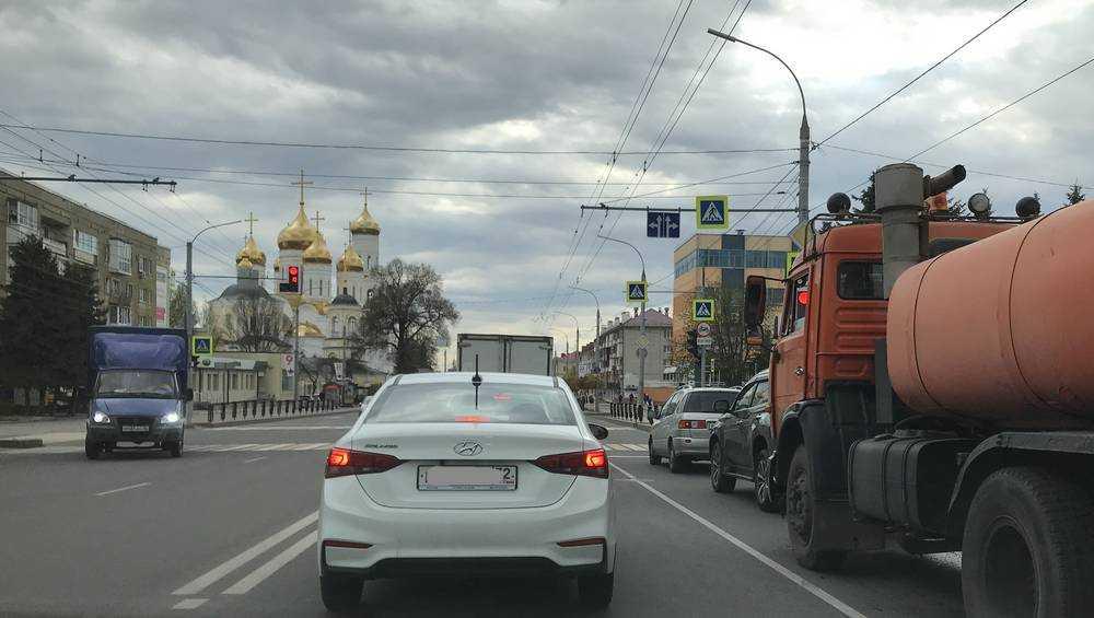 В Брянске автомобилистка сбила роллера на пешеходном переходе