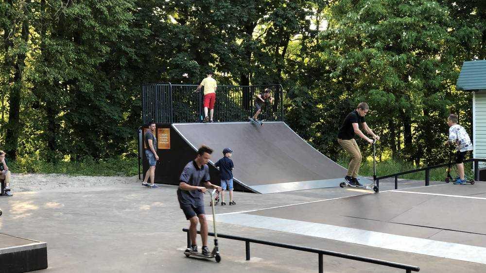 Брянские дети вырвались на скейт-площадку