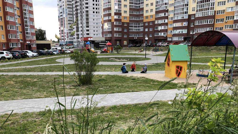 В Брянске в 2021 году отремонтируют десять дворовых территорий