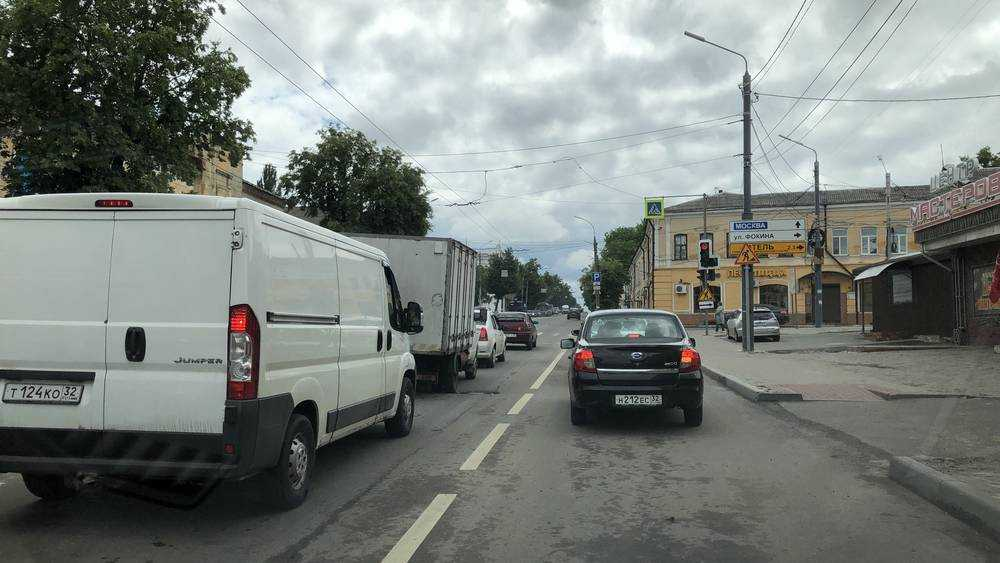 Третья полоса избавила брянских водителей от пробок на улице Калинина