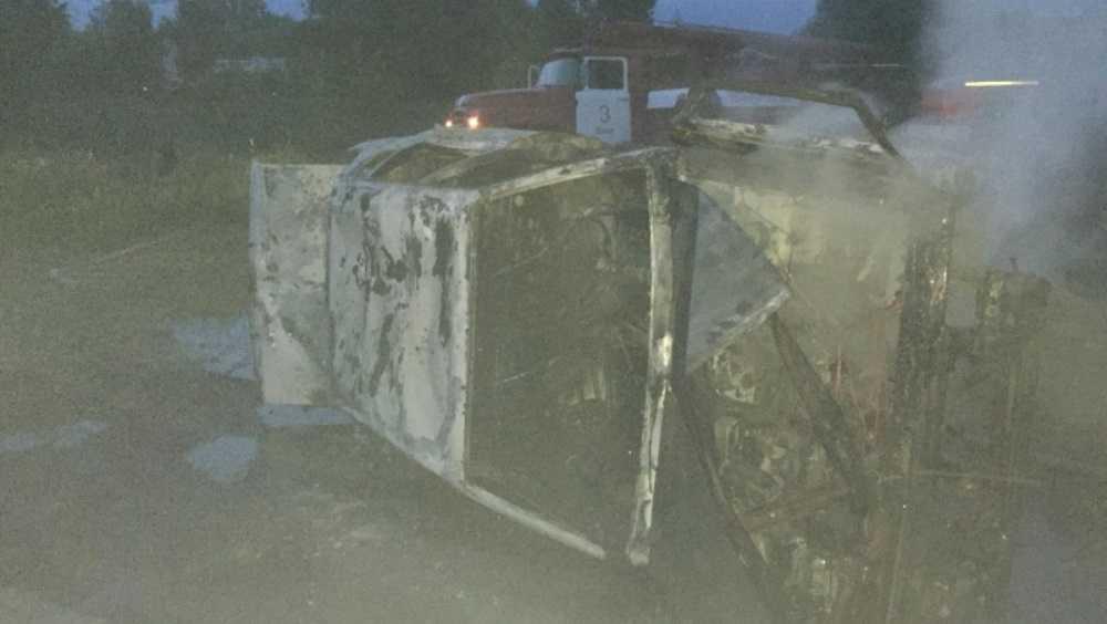В Фокинском районе Брянска сгорел легковой автомобиль