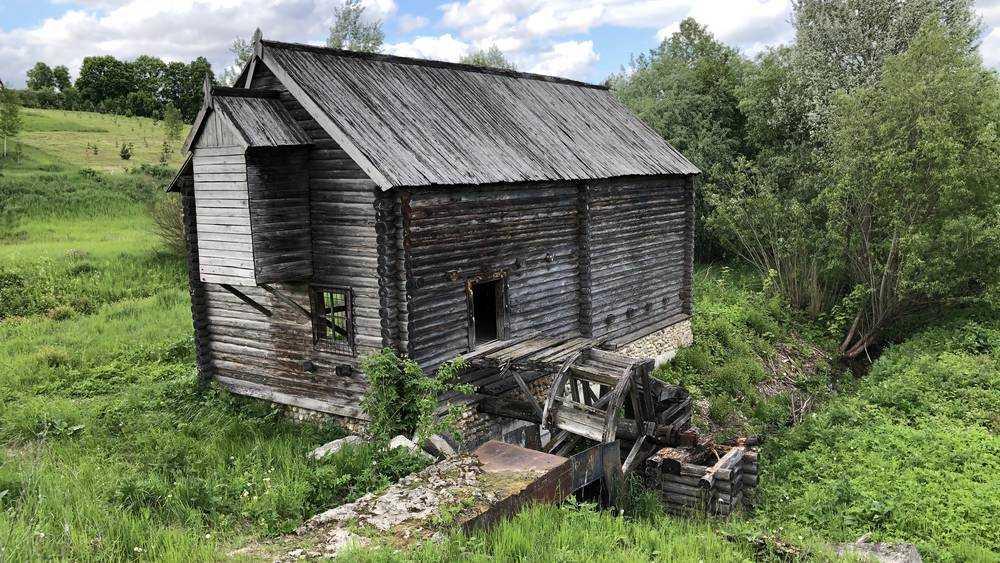 Водяная мельница в Овстуге пришла в упадок