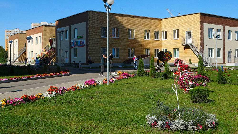В Брянске строящийся в старом аэропорту детсад начал набор детей