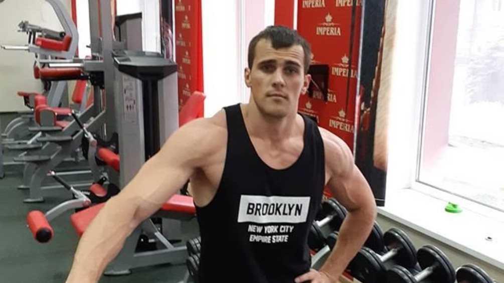 Таможенник Скромный покинул «Дом-2» и стал фитнес-тренером в Брянске