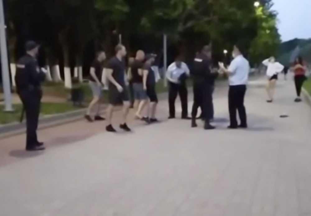В Брянске после потасовки с молодежью полиция провела рейд на Кургане